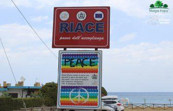 I volti dei luoghi dell'accoglienza, l'esperienza dei soci Murgia Enjoy a Riace, Camini e Stignano