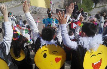 """Careri (RC): tra festa e riflessione, il Carnevale degli studenti al tempo dei """"social"""""""