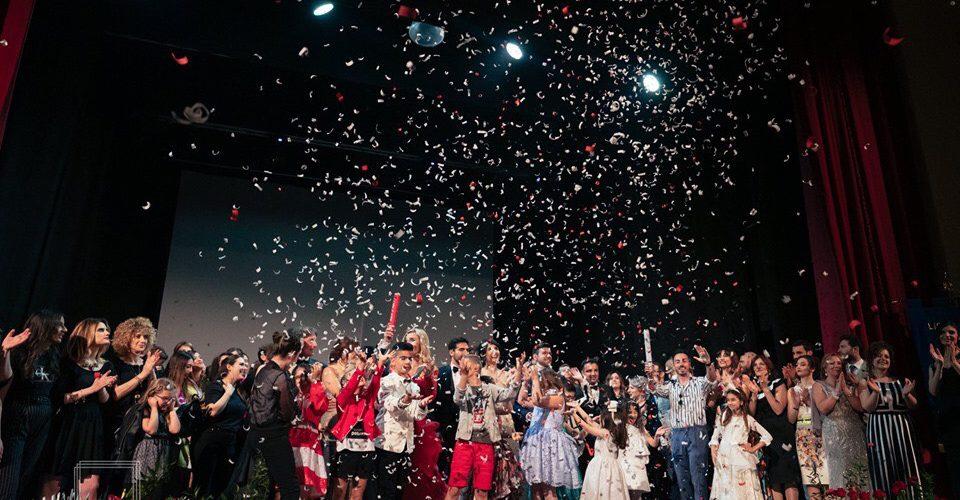 """Roccella Jonica (RC): """"SfiloXTe"""", grande successo per la seconda edizione del gala di beneficenza a sostegno dell'""""Angela Serra – Sezione Locride"""""""
